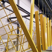 poedercoating stalen frames, kokers en buizen | RAL 1023 verkeersgeel